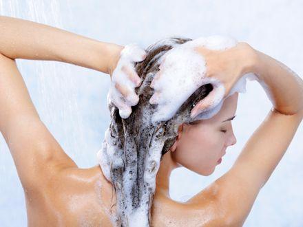 S�l morska dodana do szamponu czyni cuda dla w�os�w?