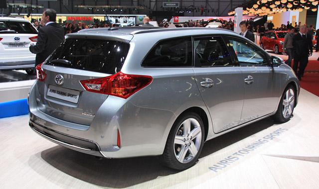 Toyota Auris Touring Sports: praktycznie i po japońsku