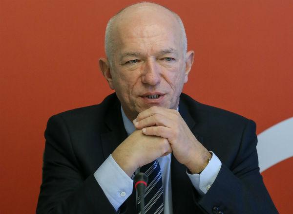 Zbigniew �wi�kalski