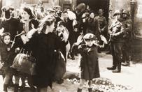 Ca�y �wiat ma na r�kach krew ofiar Holokaustu. Polacy nie s� wyj�tkiem