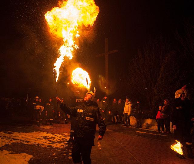 Jedyna taka msza w Polsce. Igrają z ogniem - zdjęcia