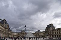 Zamach w Paryżu: polskim wątkiem zajmuje się prokuratura w Katowicach