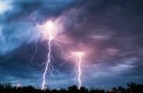 200 interwencji stra�ak�w. Meteorolodzy ostrzegaj� przed burzami