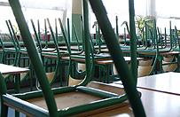Zarzuty molestowania dla dyrektora szko�y we W�oszczowie