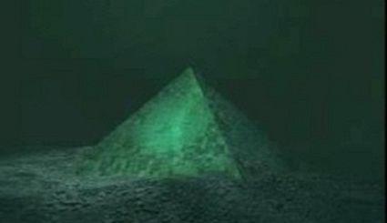 Zagadka Tr�jk�ta Bermudzkiego rozwi�zana! Co ukrywaj� tajemnicze piramidy?
