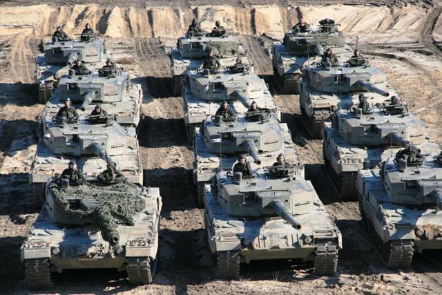 Potężne niemieckie czołgi w Polsce - zobacz zdjęcia