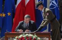 Prezydent Komorowski podpisa� ustaw� zmieniaj�c� system dowodzenia polskim wojskiem