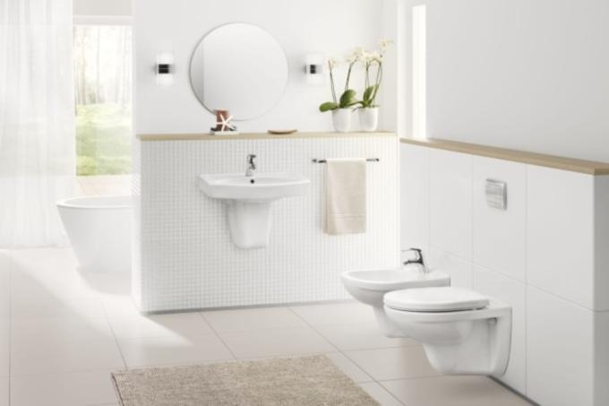 Remont łazienki: montaż WC krok po kroku. Zrób to sam