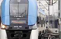 Utrudnienia na kolei: po�ar poci�gu Kolei �l�skich, awarie sieci trakcyjnej