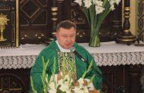 Ksi�dz Jacek Stasiak z�ama� zakaz suspensy