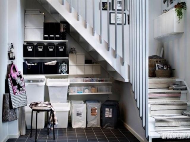 Niezwykłe pomysły na przestrzeń pod schodami