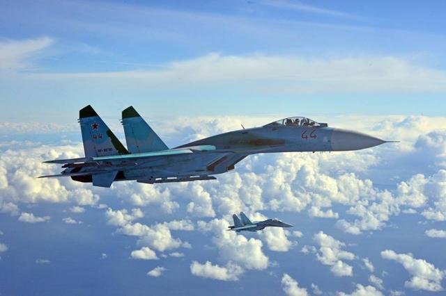 Polskie F-16 stanęły oko w oko z Su-27 z Rosji - zdjęcia