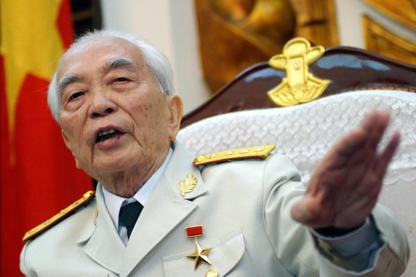 Vo Nguyen Giap, zdjęcie z 2004 r.