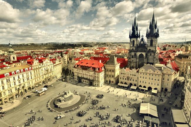 Znalezione obrazy dla zapytania Praga czeska