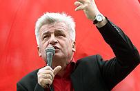 Piotr Ikonowicz wyszed� z aresztu