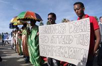 Protesty i polemiki na ceremonii ku czci ofiar katastrof st