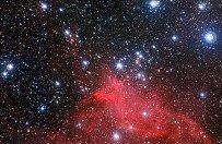 Zdj�cie m�odych gwiazd kszta�tuj�cych swoje kosmiczne otoczenie