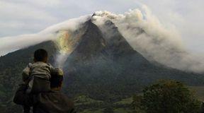 Niezwykłe zdjęcia wulkanu Sinabung