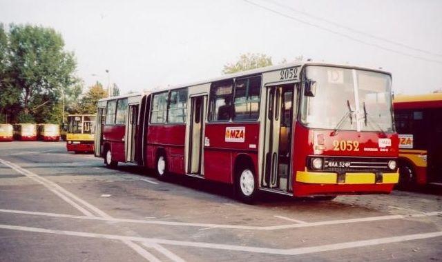 Warszawa Egna Si Z Ostatnimi Ikarusami Wp Moto