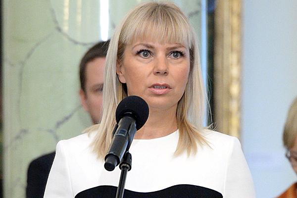 Nowa wicepremier i minister po��czonych ministerstw transportu i rozwoju regionalnego, El�bieta Bie�kowska.