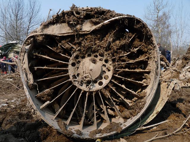 Ogrom zniszczeń w Tu-154M z bliska
