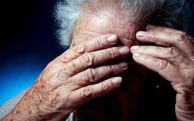 Jak rozpozna� pierwsze objawy choroby Alzheimera?