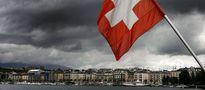Polacy zarobili trzysta milionów w jeden dzień. Szwajcarski frank w końcu spada