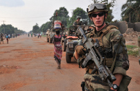 Polscy misjonarze w Republice �rodkowoafryka�skiej: nale�y wywiera� presj� na rz�d Francji