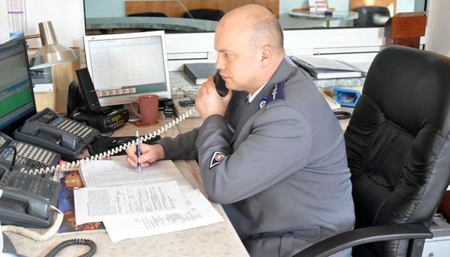 Brawo! Policjant pomógł zapobiec tragedii