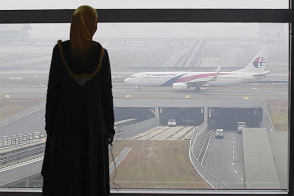 Wed�ug radar�w zaginiony Boeing 777 lecia� ku Andamanom