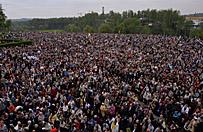 Polska �wi�tuje kanonizacj� Jana Paw�a II i Jana XXIII