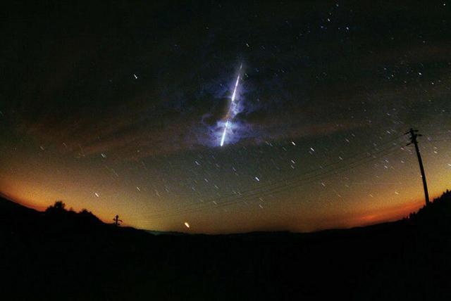 Niezwykłe zjawisko! Deszcz meteorów w Polsce - zobacz