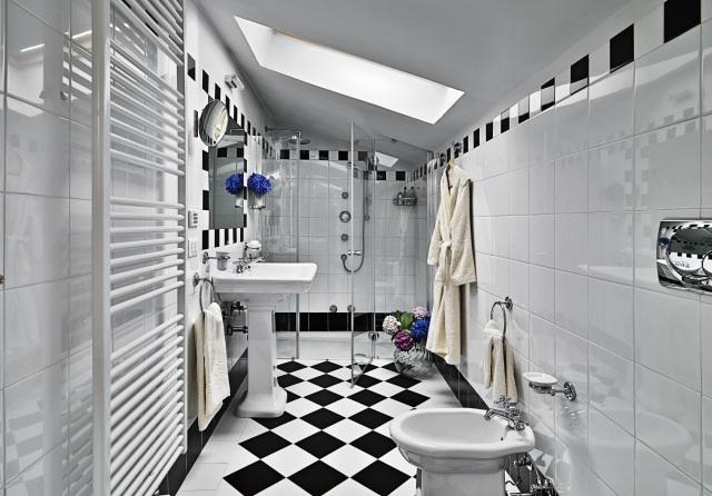 Modny pomysł na podłogę czarno biała podłoga w   -> Biala Kuchnia Grafitowa Podloga