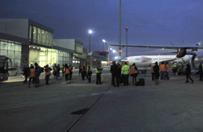 Samolot z polskimi turystami przymusowo l�dowa� w Pradze