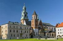 Remont katedry na Wawelu nie przeszkadza tłumom turystów
