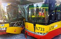 Gro�ny wypadek w Warszawie - zderzy�y si� dwa autobusy i samoch�d osobowy