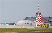 Pilot l�dowa� bez wysuni�tego podwozia na lotnisku w Modlinie