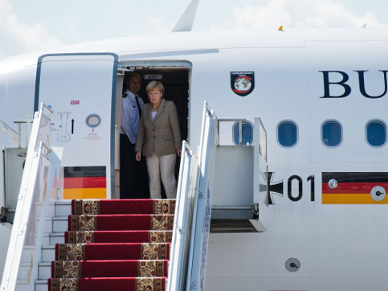 Angela Merkel w Kijowie: granica z Rosj� b�dzie kontrolowana