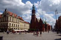 """""""Guardian"""" zach�ca turyst�w do odwiedzenia Wroc�awia. Go�ci przybywa z roku na rok"""