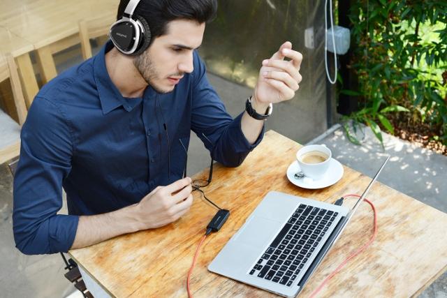 Sound Blaster E1 - przenośny wzmacniacz słuchawkowy