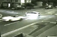 Pirat drogowy zabi� pasa�erk� auta. Szokuj�cy film ma ostrzec innych