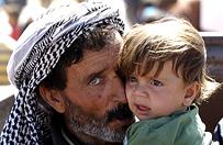 Syryjski �mig�owce zbombardowa�y ob�z dla uchod�c�w - co najmniej 10 zabitych