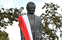 Prezes PiS ods�oni� w Siedlcach pomnik Lecha Kaczy�skiego