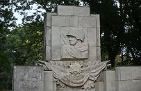 ��daj� usuni�cia pomnik�w dedykowanych Armii Czerwonej w D�browie G�rniczej