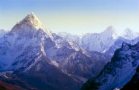 Do 32 wzros�a liczba ofiar �miertelnych lawin w Himalajach. 3 Polak�w nie �yje