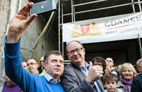 Gda�sk finansuje kampani� Adamowicza? Prokuratura bada spraw�