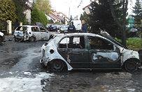 Nocny pożar w Pruszczu Gdańskim. Płonęło siedem samochodów