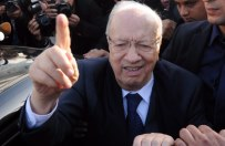 Bed�i Kaid Essebsi wygra� pierwsz� tur� wybor�w prezydenckich w Tunezji