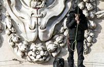 Spektakularny protest na fasadzie bazyliki �wi�tego Piotra zako�czony
