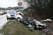 Osiem os�b rannych w zderzeniu dw�ch aut
